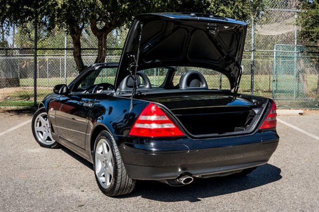 2000 Mercedes-Benz SLK230 Kompressor Reseda, CA 22