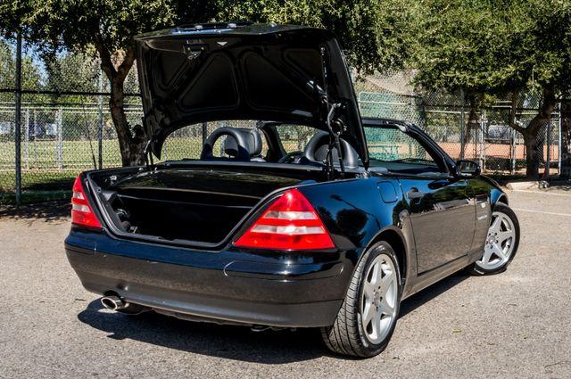 2000 Mercedes-Benz SLK230 Kompressor Reseda, CA 23