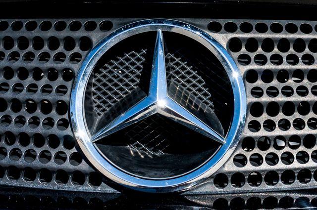 2000 Mercedes-Benz SLK230 Kompressor Reseda, CA 59