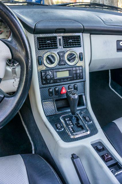 2000 Mercedes-Benz SLK230 Kompressor Reseda, CA 35