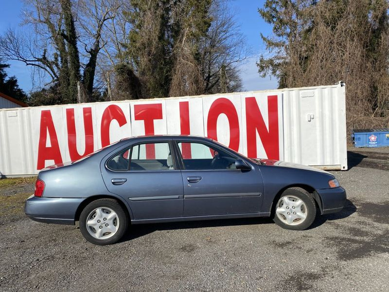 2000 Nissan Altima XE  city MD  South County Public Auto Auction  in Harwood, MD