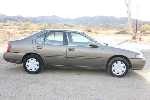 2000 Nissan Altima GXE Santa Clarita, CA 12