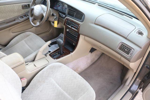 2000 Nissan Altima GXE Santa Clarita, CA 9