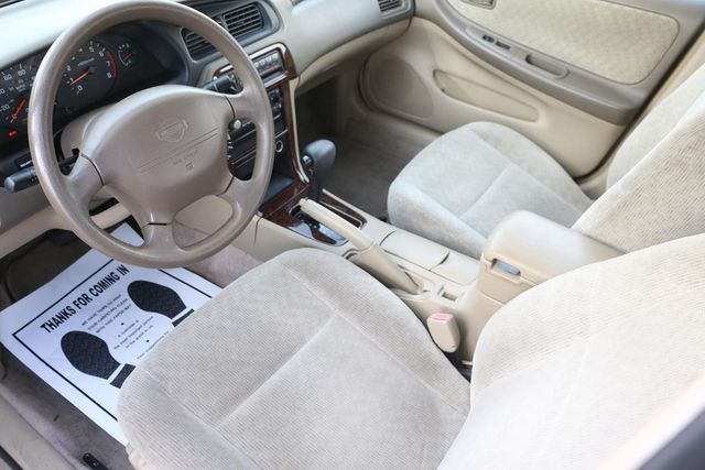 2000 Nissan Altima GXE Santa Clarita, CA 8