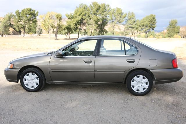 2000 Nissan Altima GXE Santa Clarita, CA 11