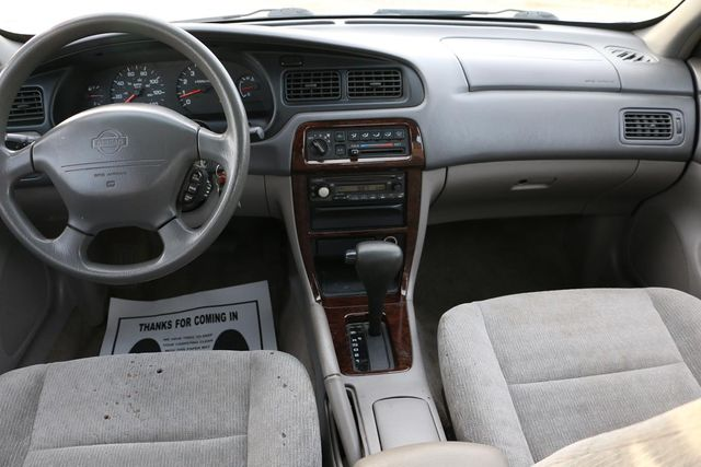 2000 Nissan Altima XE Santa Clarita, CA 7