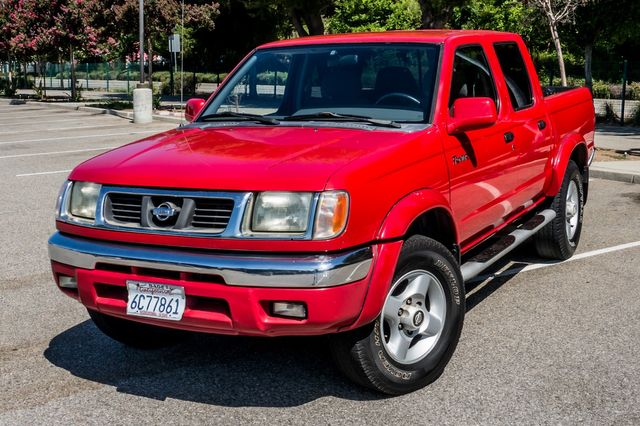 2000 Nissan Frontier SE in Reseda, CA, CA 91335
