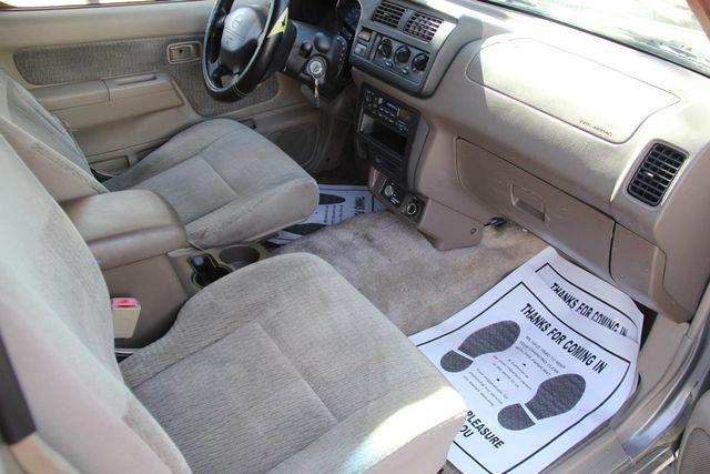 2000 Nissan Frontier XE Santa Clarita, CA 8