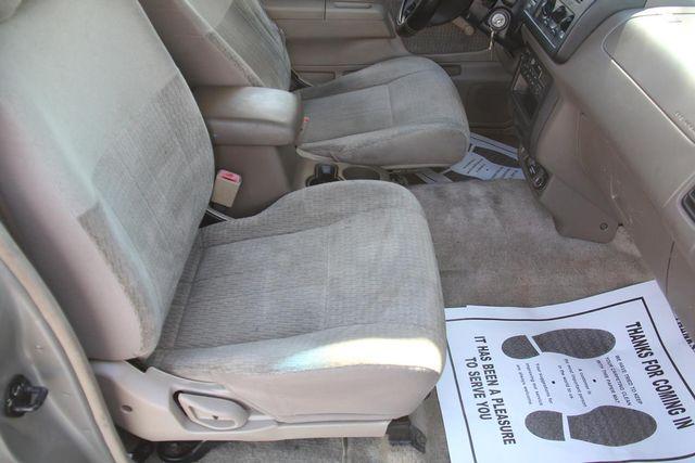 2000 Nissan Frontier XE Santa Clarita, CA 13