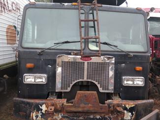 2000 Peterbilt 320 Garbage Truck Ravenna, MI 1