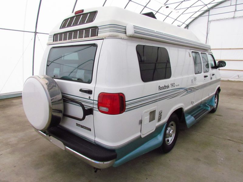 2000 Roadtrek 190 Versatile  in Sherwood, Ohio