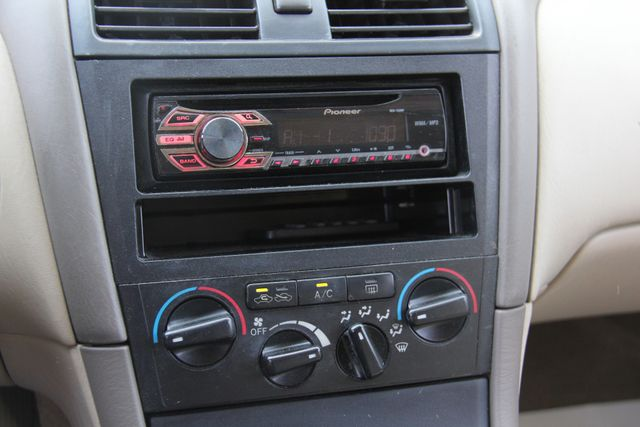 2000 Toyota Avalon XL Santa Clarita, CA 19