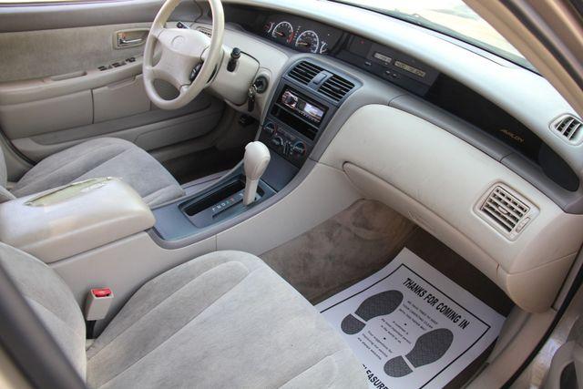 2000 Toyota Avalon XL Santa Clarita, CA 9