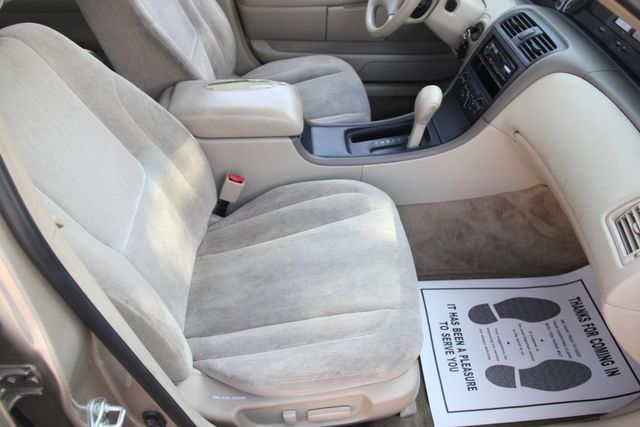 2000 Toyota Avalon XL Santa Clarita, CA 14
