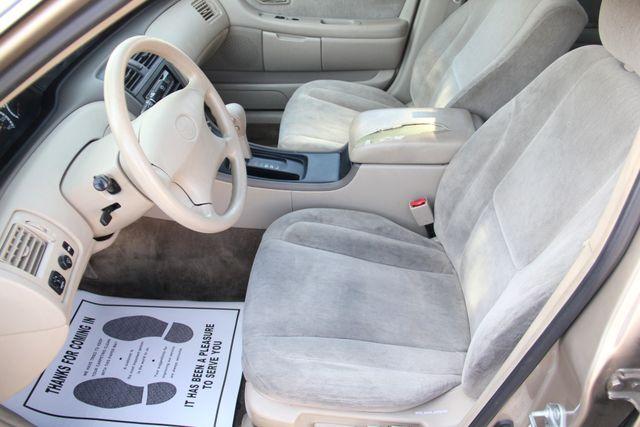 2000 Toyota Avalon XL Santa Clarita, CA 13