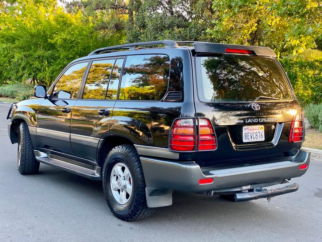 2000 Toyota LAND CRUISER SPORT UTILITY 4WD 3RD ROW SERVICE RECORDS NEW TIRES in Van Nuys, CA 91406