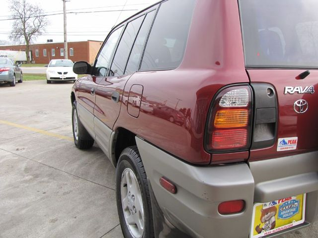 2000 Toyota RAV4 in Medina OHIO, 44256