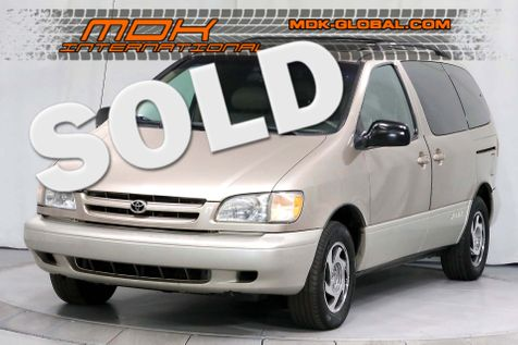 2000 Toyota Sienna XLE - New tires - New shocks in Los Angeles