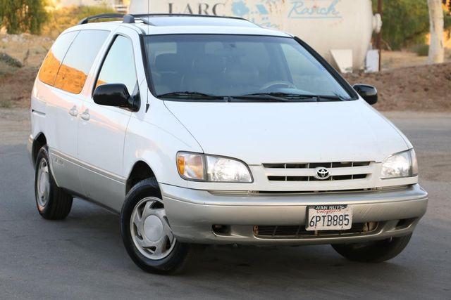 2000 Toyota Sienna XLE Santa Clarita, CA 3