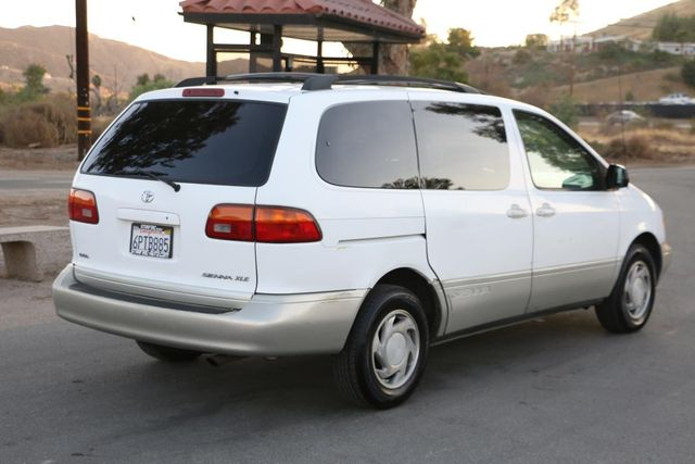 2000 Toyota Sienna XLE Santa Clarita, CA 6