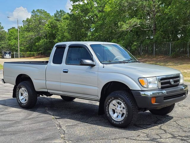 2000 Toyota Tacoma PreRunner in Hope Mills, NC 28348