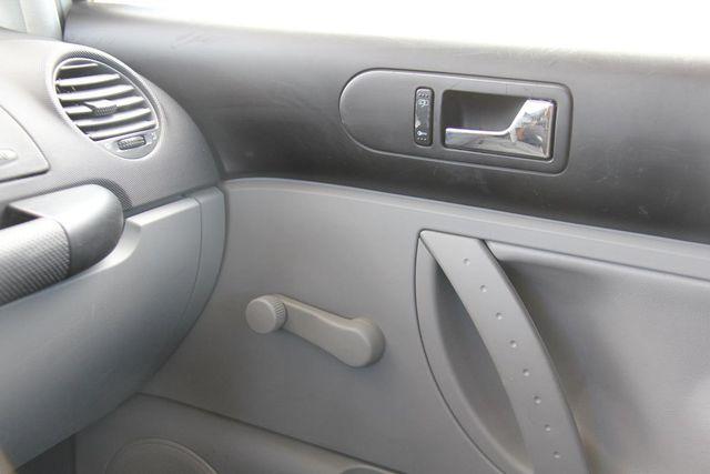 2000 Volkswagen New Beetle GL Santa Clarita, CA 20