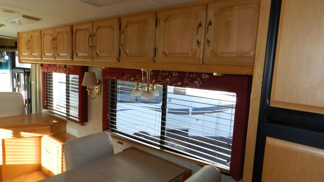 2000 Winnebago ULTRAFREEDOM 40 JD Hudson , Florida 16