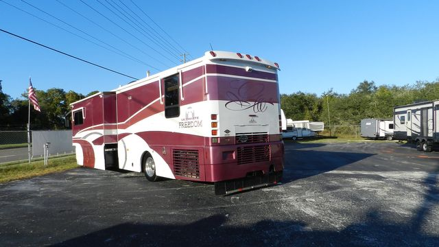 2000 Winnebago ULTRAFREEDOM 40 JD Hudson , Florida 22