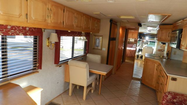 2000 Winnebago ULTRAFREEDOM 40 JD Hudson , Florida 5