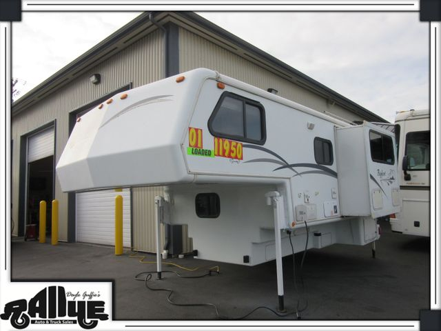2001 Bigfoot Truck Camper 11FT in Burlington, WA 98233