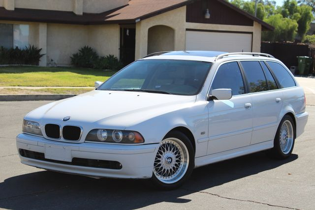 2001 BMW 525iT WAGON SPORTS PKG SERVICE RECORDS AVAILABLE in Woodland Hills CA, 91367