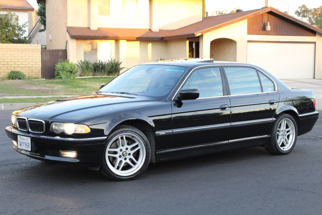 2001 BMW 740iL SPORTS PKG NAVIGATION SERVICE RECORDS AVAILABLE in Woodland Hills, CA 91367