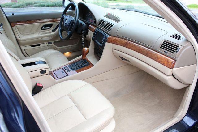 2001 BMW 740iL SPORTS PKG NAVIGATION NEW TIRES SERVICE RECORDS XLNT CONDITION in Van Nuys, CA 91406