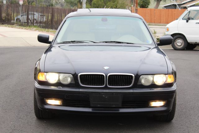 2001 BMW 740iL SPORTS PKG NAVIGATION NEW TIRES SERVICE RECORDS XLNT CONDITION in Woodland Hills, CA 91367