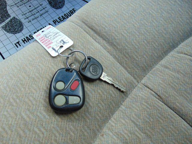 2001 Buick LeSabre Custom Alexandria, Minnesota 12