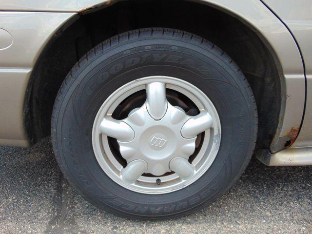 2001 Buick LeSabre Custom Alexandria, Minnesota 23