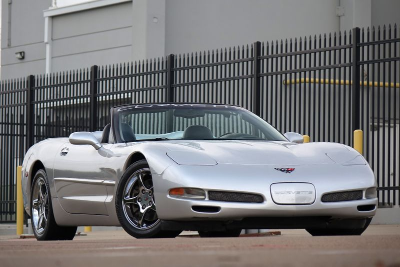 2001 Chevrolet Corvette **Auto* 2 owners* Super Clean* EZ Financing**   Plano, TX   Carrick's Autos in Plano TX