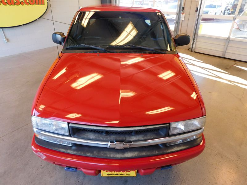 2001 Chevrolet S-10 LS  city TN  Doug Justus Auto Center Inc  in Airport Motor Mile ( Metro Knoxville ), TN