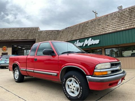 2001 Chevrolet S-10 LS in Dickinson, ND
