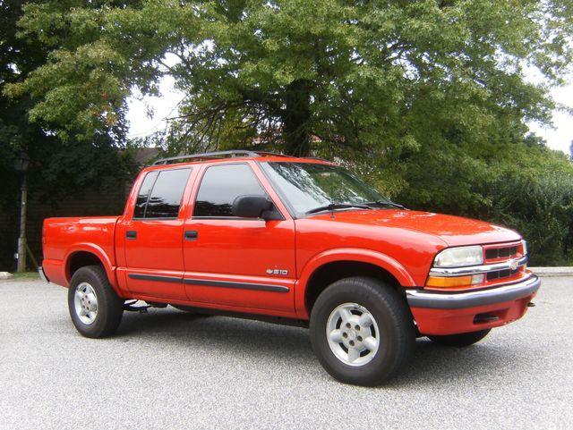 2001 Chevrolet S-10 LS Crew Cab 4WD