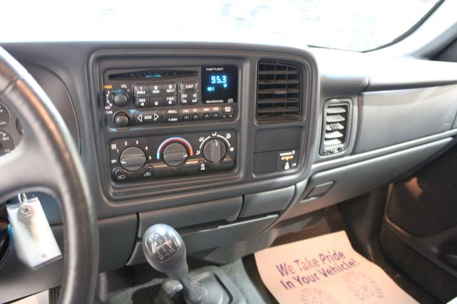 2001 Chevrolet Silverado 2500HD 5 Speed Manual 4x4 LS in Roscoe, IL 61073