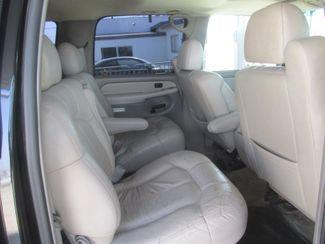 2001 Chevrolet Suburban LT Gardena, California 11