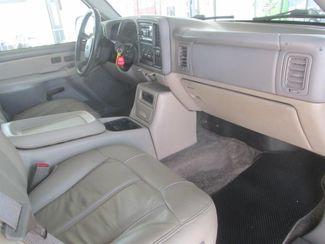 2001 Chevrolet Suburban LT Gardena, California 7