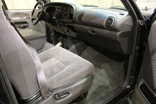 2001 Dodge Ram 2500 Diesel 4x4 manual in Roscoe, IL 61073