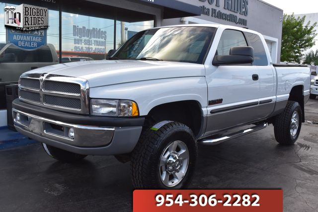 2001 Dodge Ram 2500 Laramie Plus in FORT LAUDERDALE, FL 33309