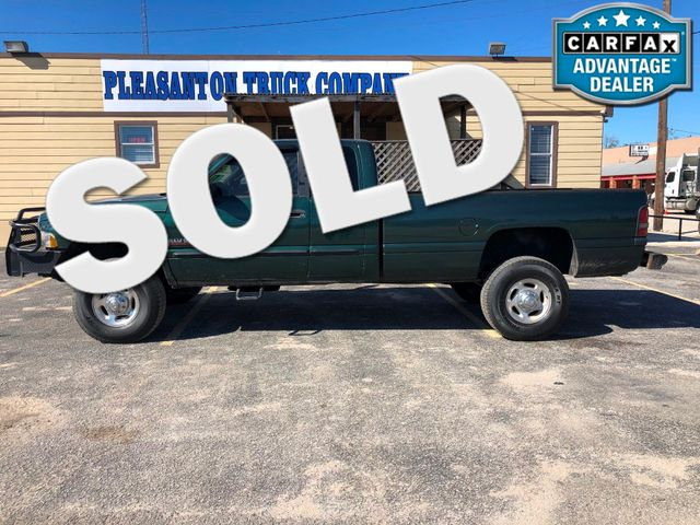 2001 Dodge Ram 2500    Pleasanton, TX   Pleasanton Truck Company in Pleasanton TX