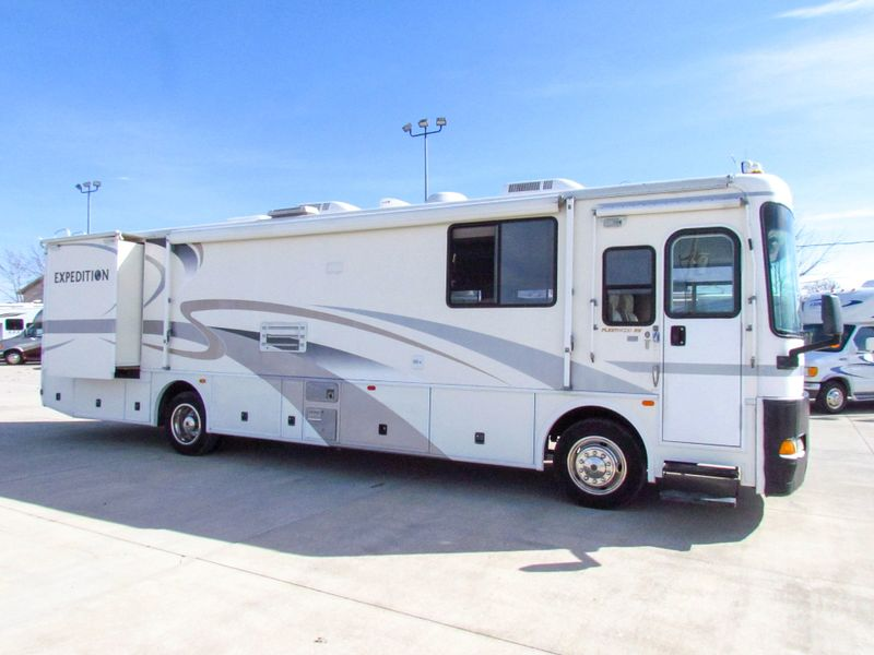 2001 Fleetwood Expedition 36T  in Sherwood, Ohio
