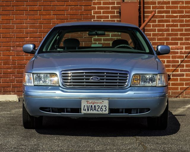 2001 Ford Crown Victoria LX Burbank, CA 2