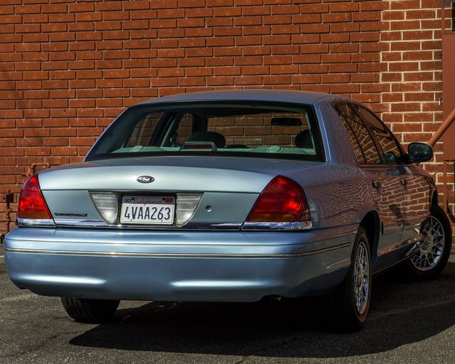 2001 Ford Crown Victoria LX Burbank, CA 6