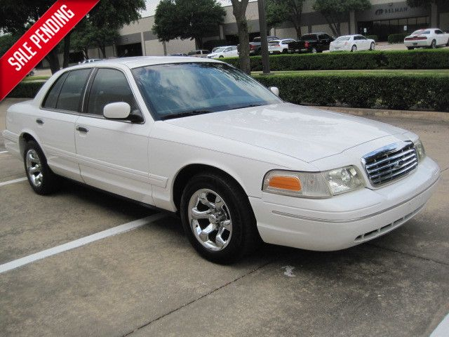 2001 Ford Crown Victoria LX, Clean CarFax Super Nice L@@K Only 83k